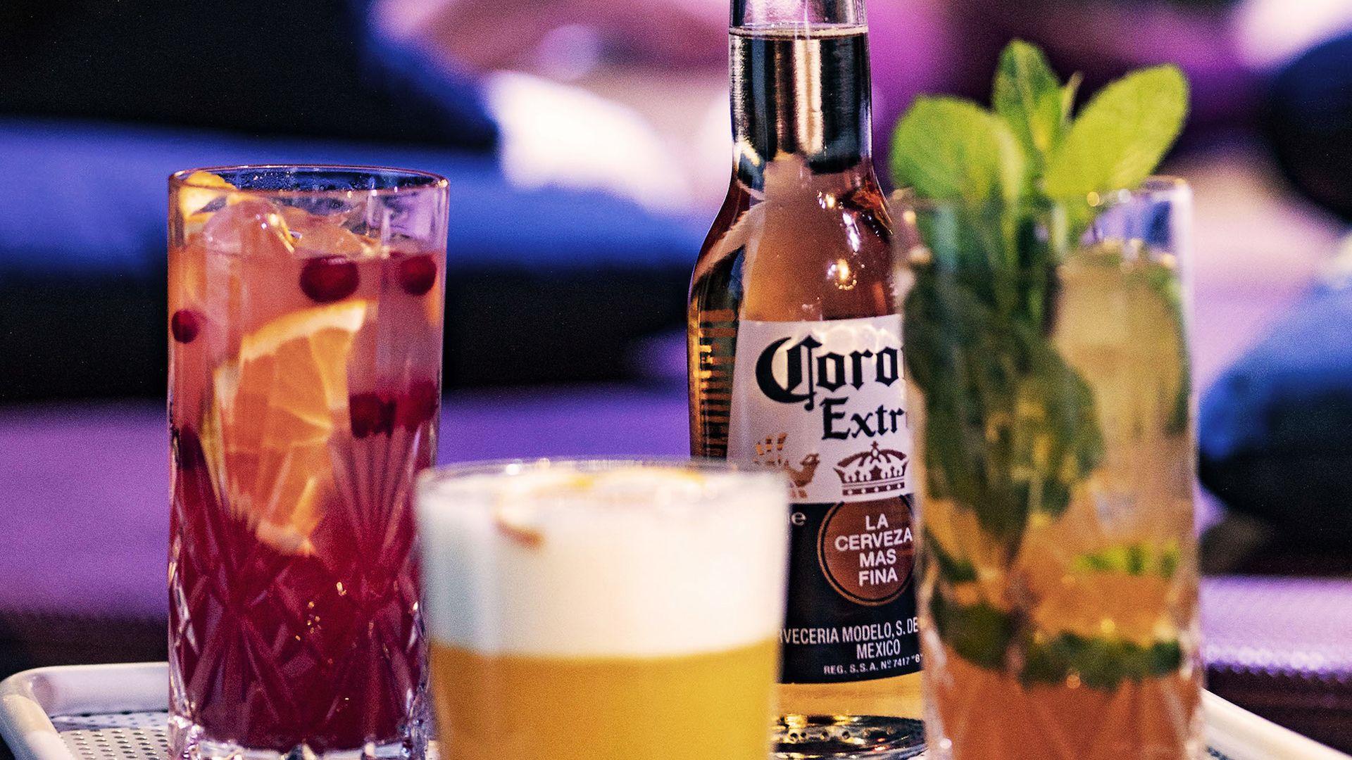 Corona Bar